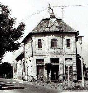 1960-marosan-fele-haz-haromszog-kocsma