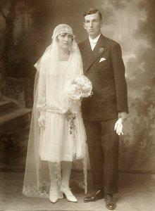 Sal Anna és Engelhardt Mátyás esküvői képe - 1928