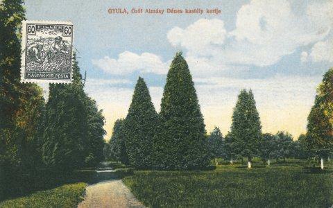 Gróf Almásy Dénes kastély kertje - 1918. Dobay kiadás