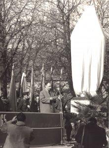 efm_td-83-175-1-lenin-szobor-avatasa-1965-11-07