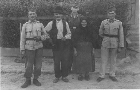 kiss-csalad-1945